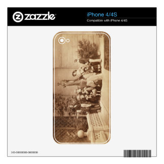 Portrait of the Royal Family at Osborne House, 185 iPhone 4 Decal
