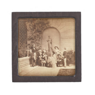 Portrait of the Royal Family at Osborne House, 185 Jewelry Box