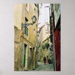 Portugal: Calle vieja de Lisboa Póster
