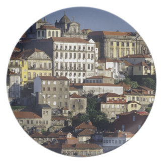 Portugal, Oporto (Oporto). Casas históricas y Platos De Comidas