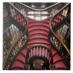 Portugal, Oporto (Oporto). Escaleras en histórico Azulejo Cuadrado Grande