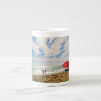 Portugués: Taza de la diversión de la playa de Alg Taza De Porcelana