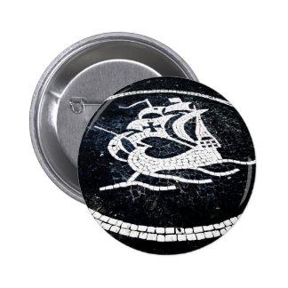 Portuguese caravel button
