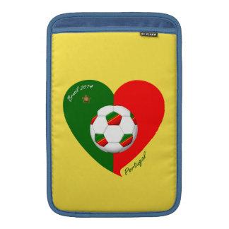 "Portuguese Soccer Team. Fútbol de ""PORTUGAL"" 2014 Fundas Macbook Air"