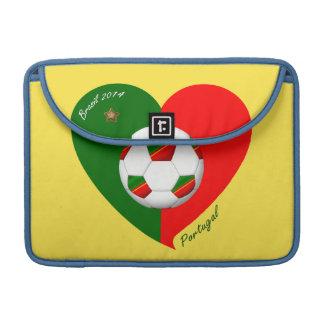 "Portuguese Soccer Team. Fútbol de ""PORTUGAL"" 2014 Funda Para Macbooks"