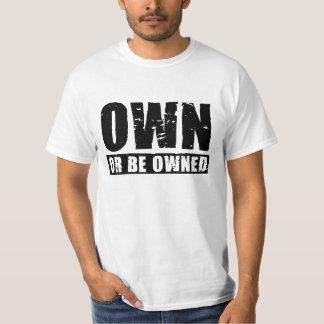 Poseer o ser camiseta (negro-apenada) poseída del