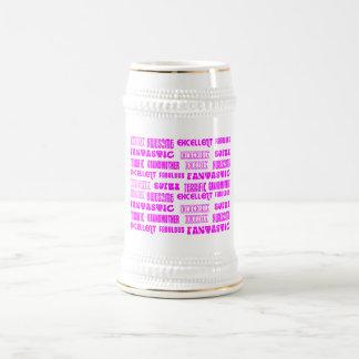 Positivos rosados frescos de las abuelas del jarra de cerveza