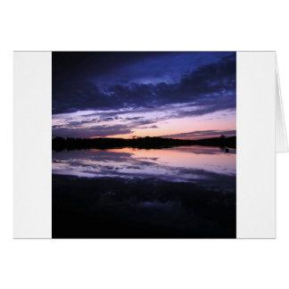 Posluminiscencia de la puesta del sol tarjeta de felicitación