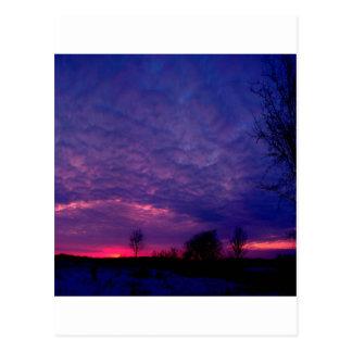 Posluminiscencia de la púrpura de la puesta del postales