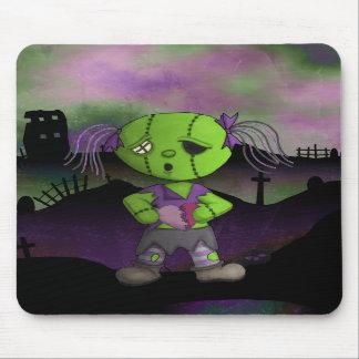 Post Apocolyptic Zombie Dollie Heart Valentine Mousepad