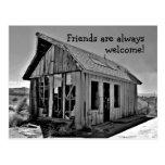 Postal abandonada vieja de la amistad de la cabaña