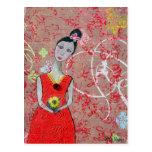 Postal: Adelina en vestido rojo