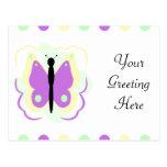 Postal amarilla y púrpura bonita de la mariposa