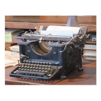 Postal antigua de la máquina de escribir