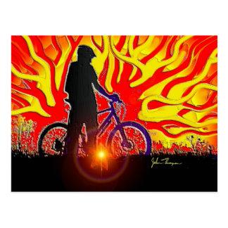 Postal ardiente del jinete de la bici
