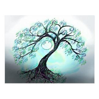Postal azul del árbol