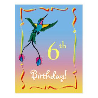 Postal bonita del feliz cumpleaños con el colibrí