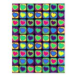 Postal colorida de los corazones del arte pop