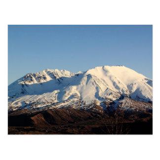 Postal coronada de nieve del Monte Saint Helens en