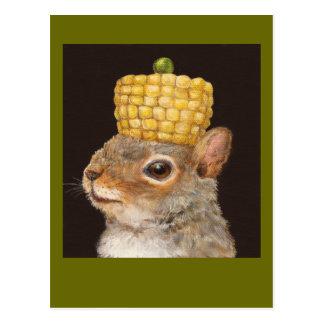 postal cubierta con sombrero de la ardilla del maí