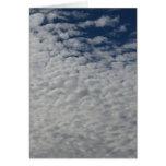 Postal de Cutomizable con el cielo y las nubes Tarjeton