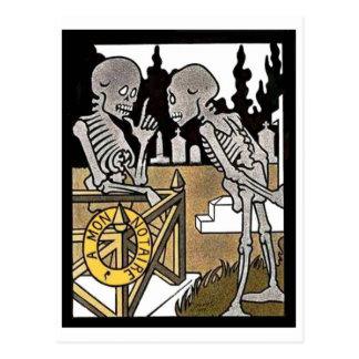 Postal de dos esqueletos