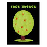 Postal de Hugger del árbol