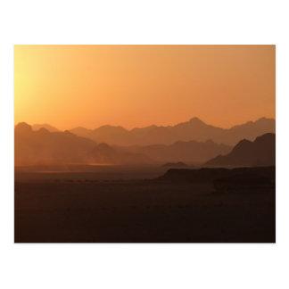 Postal de Jordania del desierto del ron del lecho