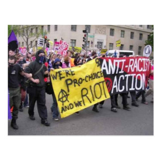 postal de la acción del anti-racista