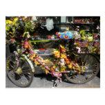 postal de la bici de la flor