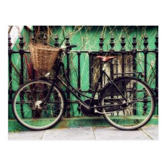 Postal de la bicicleta en descanso