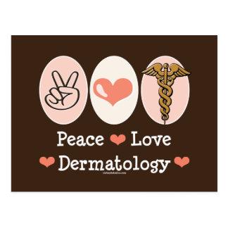 Postal de la dermatología del amor de la paz