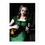 Postal de la doncella de la mandolina