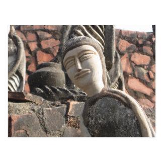 Postal de la escultura del jardín de piedras de Ne