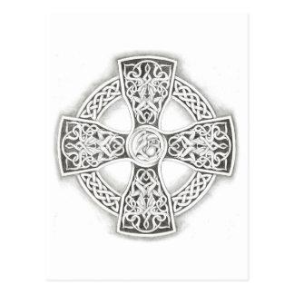 Postal de la fantasía de la cruz céltica