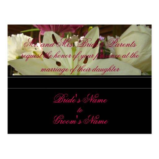 Postal de la invitación del boda del ramo floral