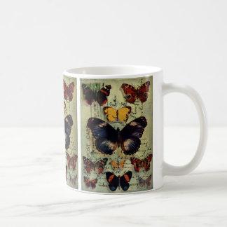 Postal de la mariposa taza básica blanca