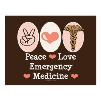 Postal de la medicina de la emergencia del amor de