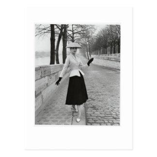 postal de la moda de los años 50