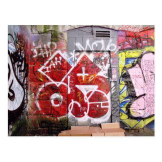 Postal de la pintada del callejón de Backstreet