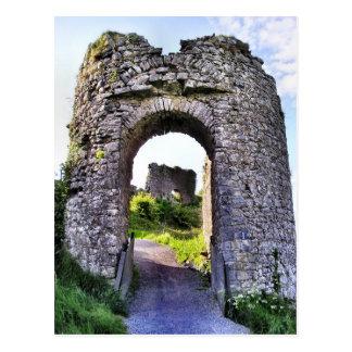 Postal de la puerta del castillo