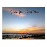 Postal de la puesta del sol de la playa de Costa R