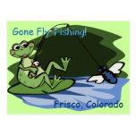 Postal de la rana de la pesca con mosca