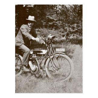 Postal de la sepia de la motocicleta c1920s del vi