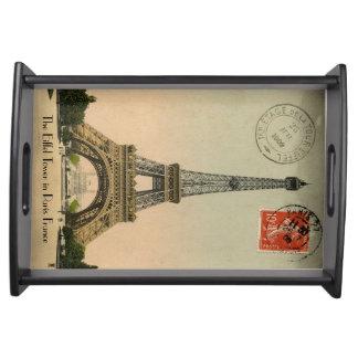 Postal de la torre Eiffel de París del vintage Bandejas