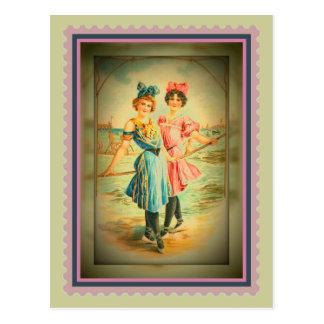 Postal de las hermanas de la playa del vintage