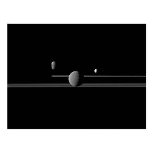 Postal de las lunas de Saturn