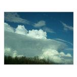 Postal de las nubes de tormenta de Cercano oeste
