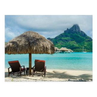 Postal de las sillas de playa de Bora Bora