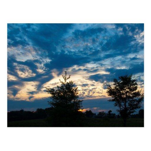 Postal de los cielos azules